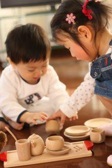 だいわ「おしゃれなカフェごっこ ミニ食器セット」2