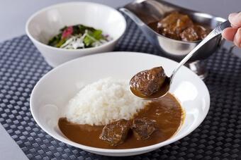 タスクフーズ 宮香本舗「黒毛和牛 極とろカレー」3