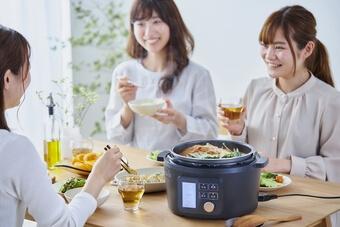アイリスオーヤマ「電気圧力鍋4.0L KPC-MA4-B」4