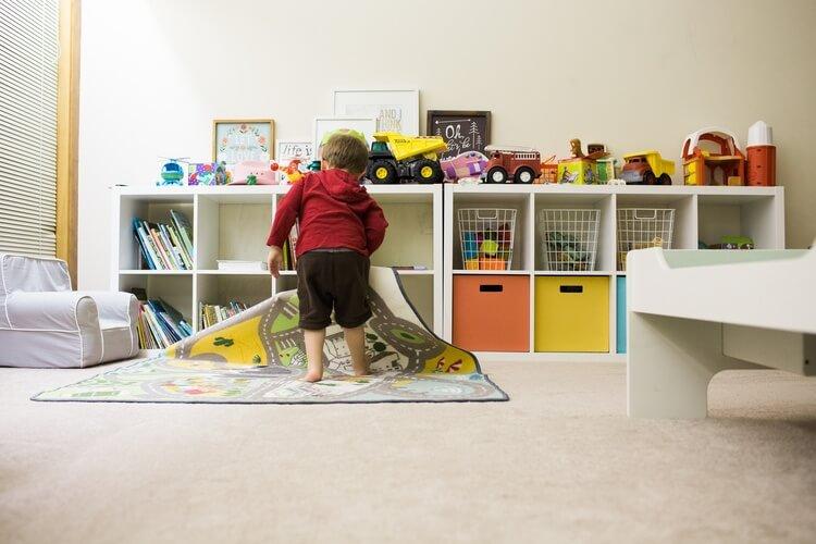 空気清浄機のある子ども部屋の様子