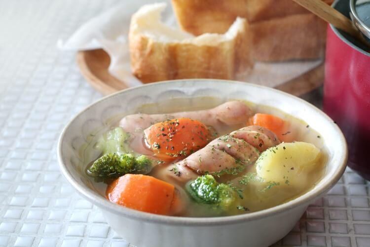 電気圧力鍋で調理したスープ