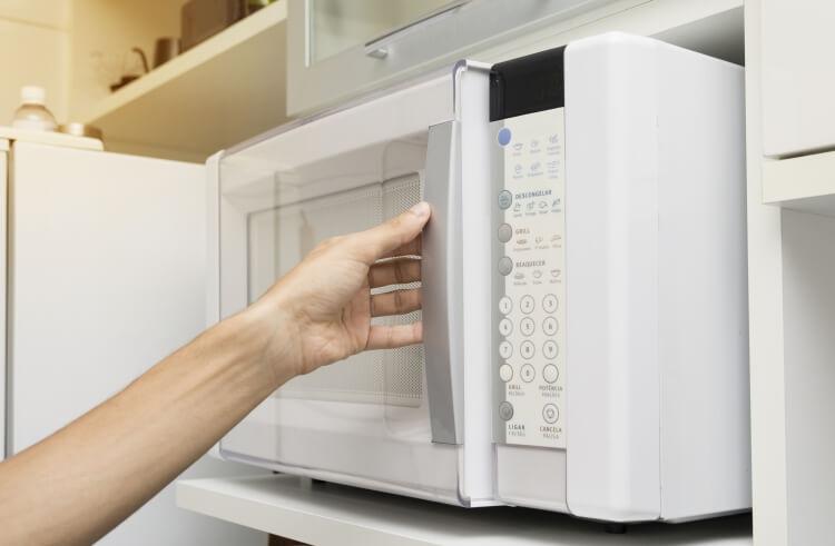 冷凍食品を解凍する
