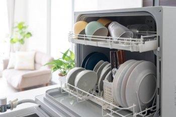 キッチンに置かれた卓上食洗器