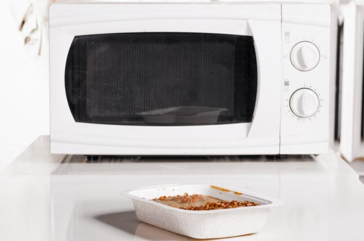 電子レンジと冷凍食品