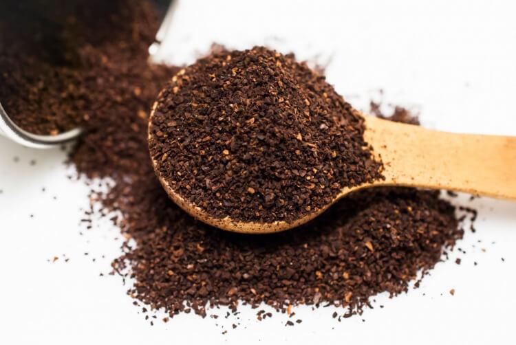 挽いた後のコーヒー豆