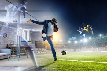 VRでサッカーを楽しむ男性