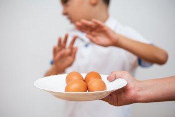 卵を嫌がる子ども