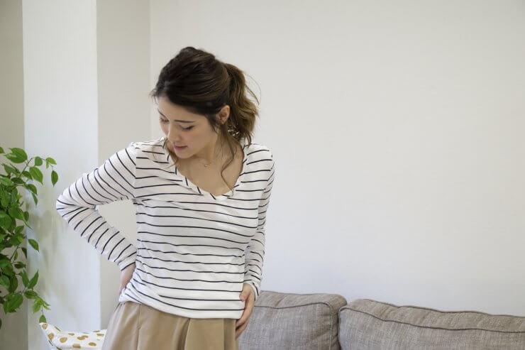骨盤ケアを行う女性のイメージ